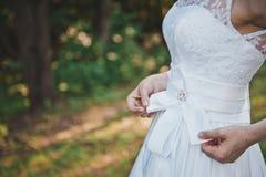 Kläder av en bröllopsklänning 1674 Arkivfoton