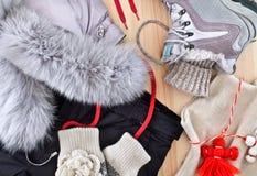 Kläder för vinterrekreation Arkivfoto