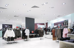 kläder shoppar upperen Royaltyfria Foton
