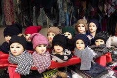 kläder Skyltdockahuvud och vintertorkdukar Royaltyfri Fotografi