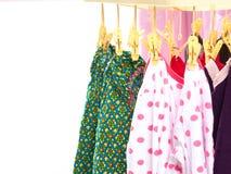 Kläderhängning på klädhängare Royaltyfria Foton