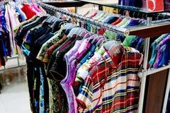 klädförsäljningar Arkivfoto