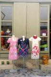 Klädlager i Anduze gångaregata Fotografering för Bildbyråer