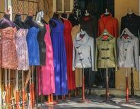 Klädlagret i hoi en forntida stad, Vietnam Arkivbilder