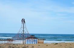 Klättra en pyramid Fotografering för Bildbyråer