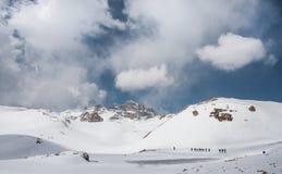 Klättra i berg i Aladaglar Royaltyfri Foto