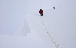 Klättra på Titnuld Kaukasus berg Arkivbilder