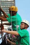 klättrare som tvättar fönster Royaltyfri Fotografi