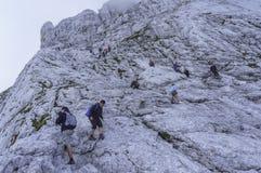 Klättring Mt Mangart Royaltyfri Bild