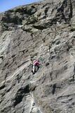 klättringen knyter rockrep två Royaltyfri Bild