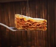 Klaar lasagna's op het blad Royalty-vrije Stock Afbeeldingen