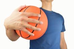 Klaar om basketbal te spelen stock afbeeldingen