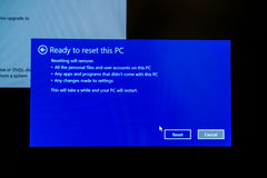 Klaar om deze PC terug te stellen Stock Afbeeldingen