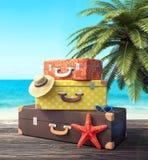 Klaar voor de zomervakantie, reisachtergrond stock foto's