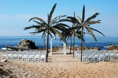 Klaar voor een strandhuwelijk in Monterey, Californië stock afbeelding