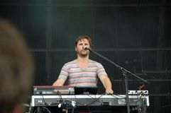 Klaas Janzoons, der Tastatur singt und spielt, mit der Deus-Band an Pohoda-Festival zu leben, Trencin, Slowakei - 8. Juli 2011 lizenzfreie stockfotografie