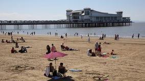 klacz plaża Somerset w lata słońcu z, molo i zbiory