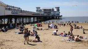 klacza Somerset molo z, plaża i turysta wczasowiczkami i zbiory wideo