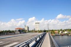 Klaffbro över intercoastal i södra Florida fotografering för bildbyråer