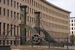 Klaffbro i Berlin Arkivfoton