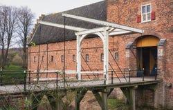 Klaffbron av den Doorwerth slotten i Nederländerna Royaltyfri Fotografi