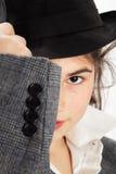 Klage, Mädchen und Hut Stockbild