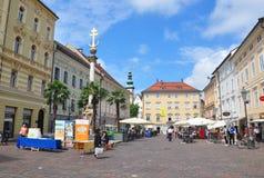 Klagenfurt, Österreich - 3. Juni 2017: Ändern Sie Platz mit Dreifaltigkeitssaeule-Dreifaltigkeitssäule Lizenzfreie Stockbilder