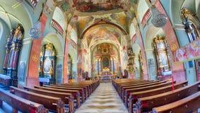 KLAGENFURT ÖSTERRIKE - AUGUSTI 2013: St Egid Church Klagenfurt är royaltyfria bilder