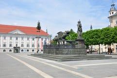 Klagenfurt Austria, Czerwiec, - 4, 2017: Lindwurmbrunnen (Lindworm fontanna) przy Neuer Platz fotografia royalty free