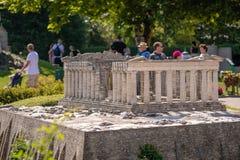 KLAGENFURT, CARINTHIA, OOSTENRIJK - AUGUSTUS 07, 2018: Park Minimundus am Worthersee Modellen van de beroemdste historische gebou royalty-vrije stock afbeeldingen