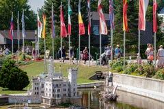 KLAGENFURT, CARINTHIA, OOSTENRIJK - AUGUSTUS 07, 2018: Park Minimundus am Worthersee Modellen van de beroemdste historische gebou stock foto's