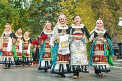 Klaipeda Litauen - 20. Juli 2018 internationale folklor fes stockbild