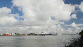 KLAIPEDA LITHUANIA-AUGUST, 5, 2017 Time-schackningsperiod av hamnen i Klaip da arkivfilmer