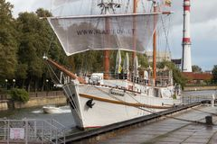 KLAIPEDA, LITHUANIA - SEPTEMBER 22, 2018: View of the wooden sailing vessel Meridianas. stock images