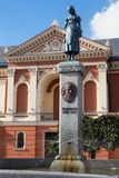 KLAIPEDA, LITHUANIE - 22 SEPTEMBRE 2018 : La statue d'Annchen von Tharau ou d'une muse de poète prussien célèbre Simon Dach images stock