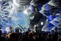 KLAIPEDA, LITUANIA - 19 AGOSTO 2017: Festival di musica Karkle in Lituania Limone Joy Performance della banda di musica in scena Fotografie Stock Libere da Diritti