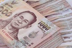 Klajstruje 1000 bahta Tajlandia banknotów gniazdował palową wysokość obrazy royalty free