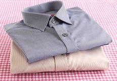 Klar gjord skjortabunt Arkivfoton