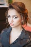 Klar kvinnlig modell, makeup i framsida Fotografering för Bildbyråer