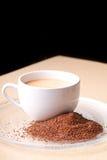 klar platta för jordning för kaffekopp Arkivbild