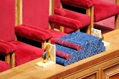 klar tabell för diplomavläggande av examen Royaltyfri Bild