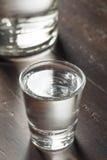 Klara alkoholiserade ryska vodkaskott Fotografering för Bildbyråer