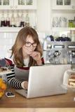 Klara av min affär i kafé Arkivfoto