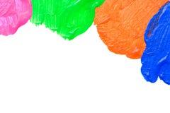 Klare Acrylfarbe auf weißem Hintergrund Stockfotos