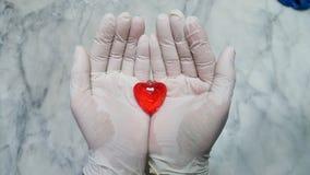 Klare rote Herzformanhänger Lizenzfreie Stockfotografie