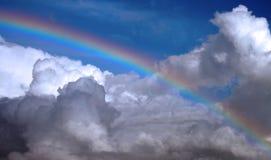 Klarer Regenbogen Stockfoto