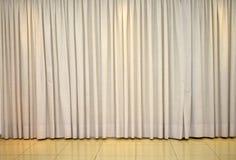 Klarer Vorhang für Raumdekoration lizenzfreie stockbilder