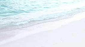 Klares blaues Wasser auf Bermuda-Küstenlinie stock video footage