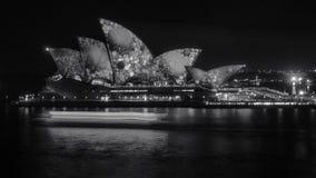 Klares Sydney an der Oper in Schwarzweiss Lizenzfreie Stockbilder