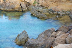 Klares Türkiswasser der Lagune des Mittelmeeres Lizenzfreies Stockbild